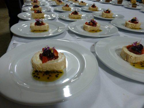 Mini pavlova catering