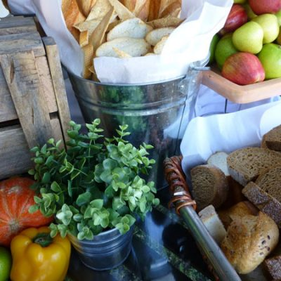 Bread and fruit catering