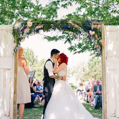 Beka & Con Wedding Kissing